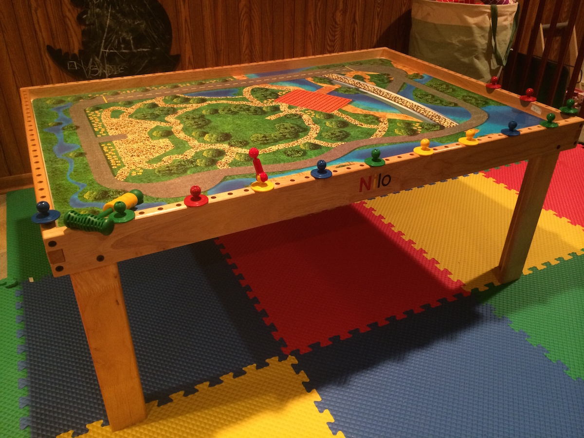 Best Play Table For Kids: The Nilo Table